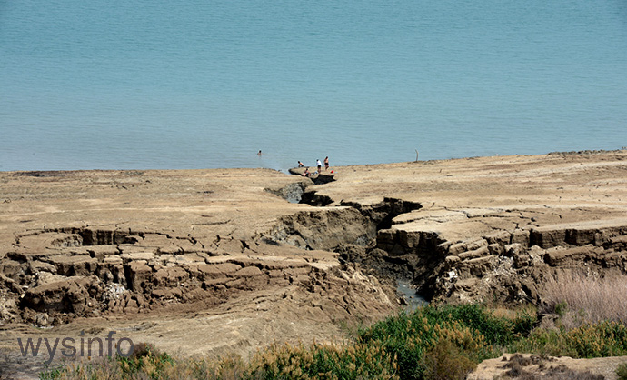 Land deterioration on the shore of the Dead Sea